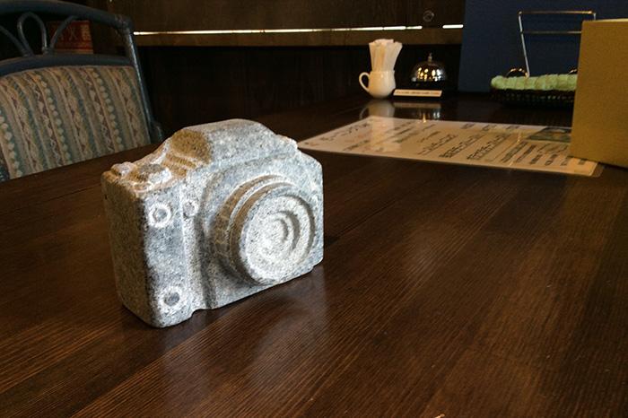庵治石製一眼レフカメラ - 表彰式 - だるま朝日庵治写真展2015